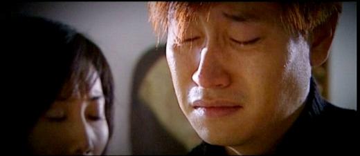 Khi nước mắt con tuôn rơi vì mẹ...