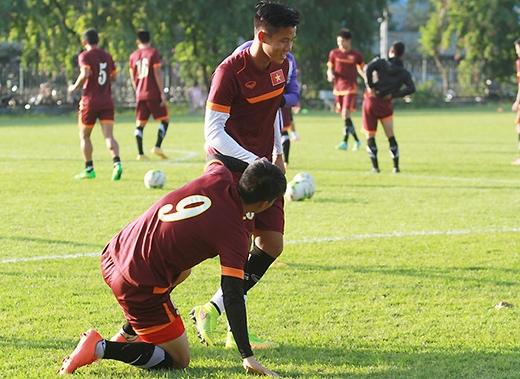 Sau một ngày xả trại, chiều nay 27/11 tuyển Việt Nam trở lại tập luyện chuẩn bị cho trận đấu cuối cùng vòng bảng với Philippines. Buổi tập bắt đầu lúc 16h.