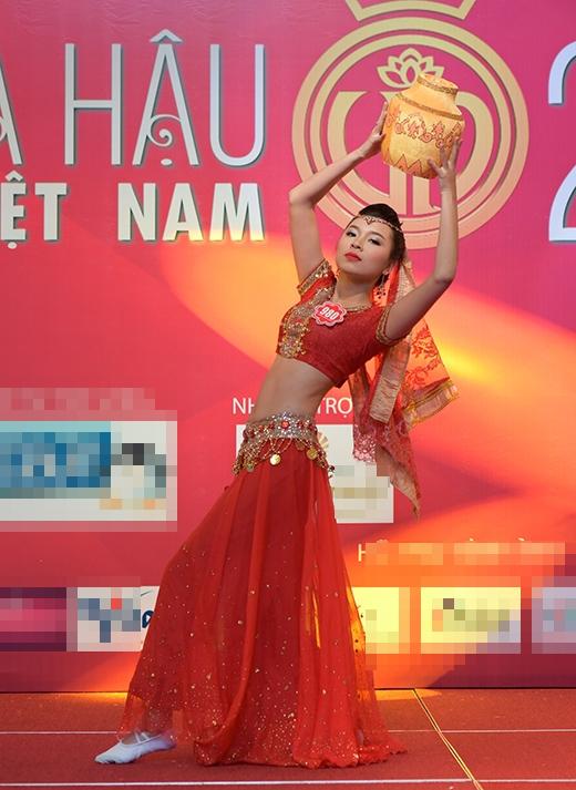 Đồng Ánh Quỳnh và phần dự thi múa Chăm