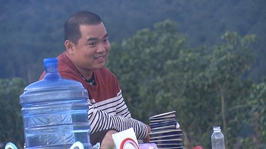 Trong khi đó, Minh Khang kiêm thêm nhiệm vụ lau bát - Tin sao Viet - Tin tuc sao Viet - Scandal sao Viet - Tin tuc cua Sao - Tin cua Sao