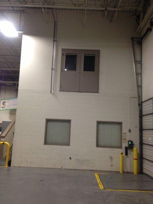 Đố ai dám bước qua chiếc cửa này