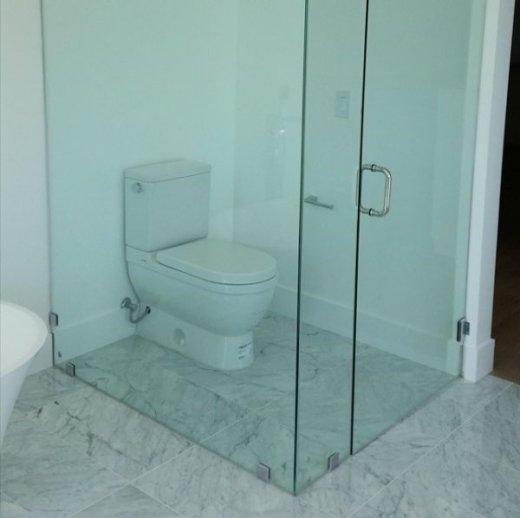 Đi vệ sinh cũng cần vào phòng kính