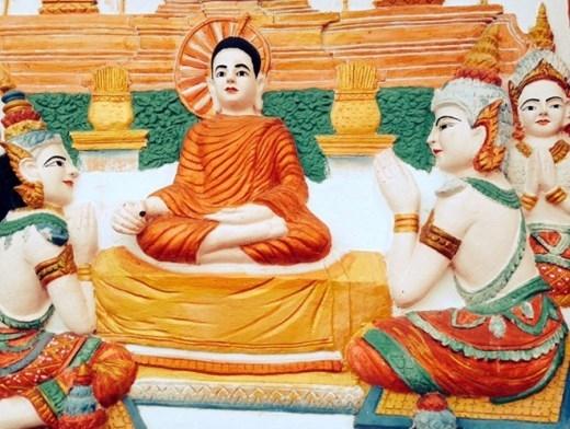 Những bức tranh phù điêu mô tả các điển tích của Đức Phật từ lúc sơ sinh cho đến khi thành đạo.