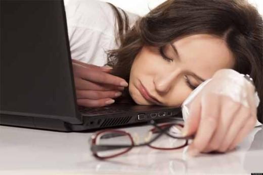 Tăng nguy cơ mắc các bệnh về tim mạch khi ngủ quá nhiều - thời gian ngủ quá nhiều, cơ thể nghỉ ngơi quá lâu đều làm ảnh hưởng đến hoạt động của tim và hệ tuần hoàn dần dần gây ra các bệnh về tim mạch như huyết áp cao.