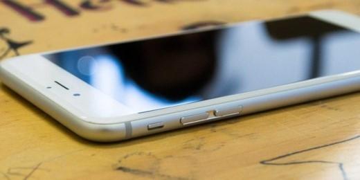 Thiết kế sang trọng và mềm mại của iPhone 6 Plus. Ảnh: Business Insider.