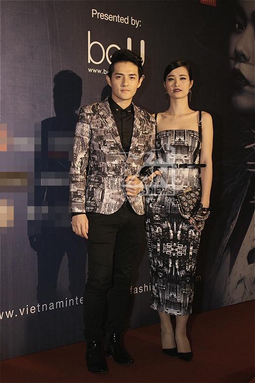 Với trang phục đồ đôi được thiết kế độc đáo, Đông Nhi và Ông Cao Thắng nổi bật giữa dàn sao Việt tham dự sự kiện - Tin sao Viet - Tin tuc sao Viet - Scandal sao Viet - Tin tuc cua Sao - Tin cua Sao