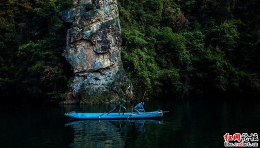 Bộ ảnh còn mang dáng dấp của tộc người Navi trong bộ phim nổi tiếng Avatar