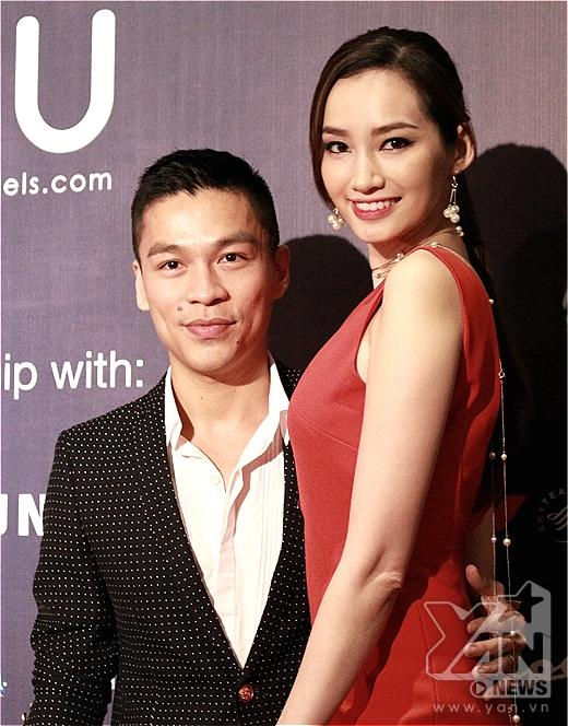 Là vedette trong BST của NTK Chung Thanh Phong đêm Fashion Week thứ 2, hôm nay Trúc Diễm xuất hiện với vai trò khách mời thưởng thức đêm diễn của các đồng nghiệp. - Tin sao Viet - Tin tuc sao Viet - Scandal sao Viet - Tin tuc cua Sao - Tin cua Sao