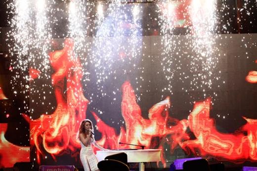 Màn biểu diễn đỉnh cao của Mỹ Tâm trong đêm chung kết Vietnam Idol 2014 - Tin sao Viet - Tin tuc sao Viet - Scandal sao Viet - Tin tuc cua Sao - Tin cua Sao