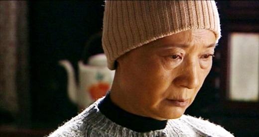 Tuy sống cùng con gái, nhưng người mẹ Lưu Anh vẫn luôn bị tổn thương không tránh khỏi