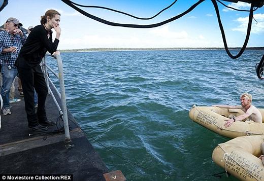 Nền tảng là diễn viên của Angelina đã giúp cô rất nhiều trong vai trò đạo diễn.