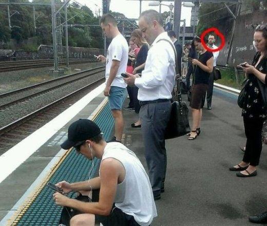 Người đàn ông duy nhất không dùng điện thoại