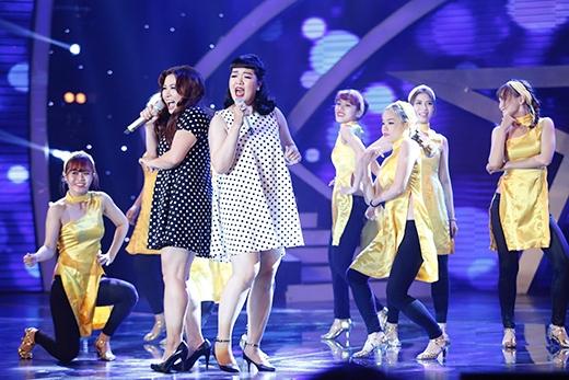 Đêm công bố kết quả mở màn bằng 2 khách mời Minh Thùy - Á quân 'Vietnam Idol 2013' và Âu Bảo Ngân - giọng ca từ đội Hồng Nhung của 'The Voice Việt 2013' cùng ca khúc 'Sài Gòn đẹp lắm'.   Khách mời đặc biệt Cosentino - Ảo thuật gia, Á quân 'Australia's Got Talent 2011'