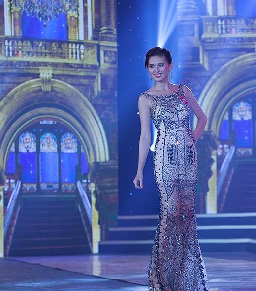 Người đẹp Huỳnh Hồng Khai đến từ Bạc Liêu