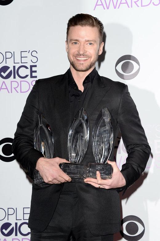 Đây hẳn là hình ảnh đẹp và quyến rũ nhất của Justin Timberlake trong năm 2014 khi anh chàng ôm về 3 giải thưởng trong lễ trao giải People's Choice.