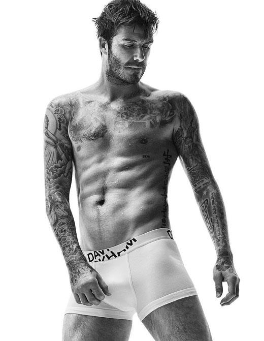 Hình ảnh nóng bỏng mắt của David Beckham trong shoot hình quảng cáo đồ lót mùa thu của H&M