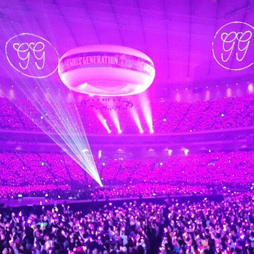 50.000 fan đã tạo thành một biển hồng rực rỡ tại Tokyo Dome
