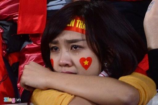 Giọt nước mắt đã rơi sau trận thua của ĐTVN.