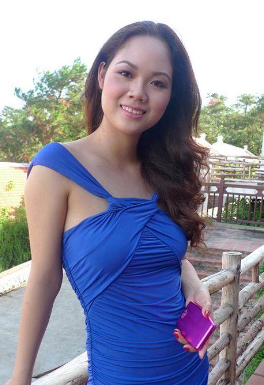 Phạm Thị Mai Phương đăng quang Hoa hậu Việt Nam 2002 năm 17 tuổi, khi đang là học sinh chuyên Lý của trường THPT Trần Phú (Hải Phòng). Ngay sau khi tốt nghiệp lớp 12, người đẹp đi du học ngành Quản trị kinh doanh ở Anh. Trở về, Mai Phương kết hôn cùng mối tình đầu - một chiến sĩ công an cùng thành phố. Mai Phương từng điều hành công ty riêng, mở cửa hàng thời trang song hiện tại cô làm một công việc khá ổn định – cán bộ của Hải quan Hải Phòng. Cô dành nhiều thời gian để vun vén cho gia đình nhỏ với hai bé trai kháu khỉnh. - Tin sao Viet - Tin tuc sao Viet - Scandal sao Viet - Tin tuc cua Sao - Tin cua Sao