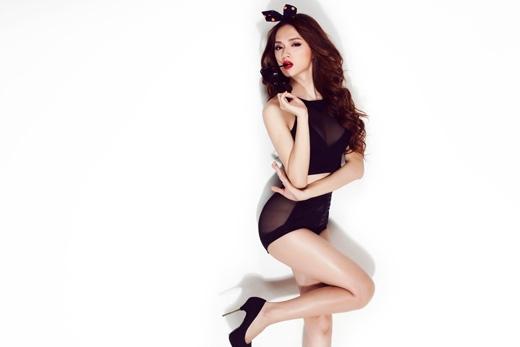 Đến một Hương Giang sexy, quyến rũ đầy sức hút.