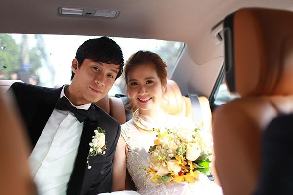 Huyền Lizzie được chú rể Lynh Hoàng đón dâu bằng xe sang - Tin sao Viet - Tin tuc sao Viet - Scandal sao Viet - Tin tuc cua Sao - Tin cua Sao