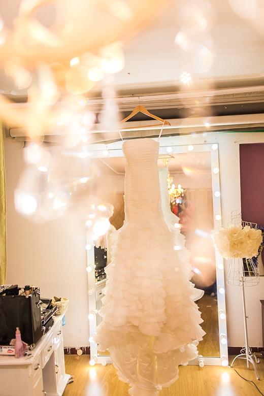 Những bộ váy cưới sẽ được Huyền Lizzie mặc trong tiệc cưới vào tối nay - Tin sao Viet - Tin tuc sao Viet - Scandal sao Viet - Tin tuc cua Sao - Tin cua Sao