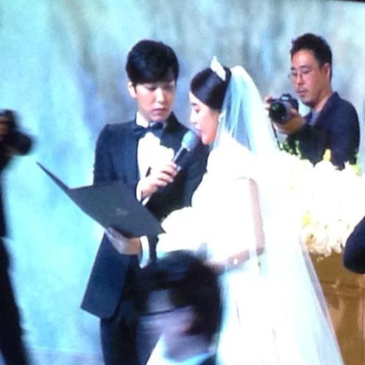 Những hình ảnh hiếm hoi trong lễ cưới của Sungmin và Kim Sa Eun