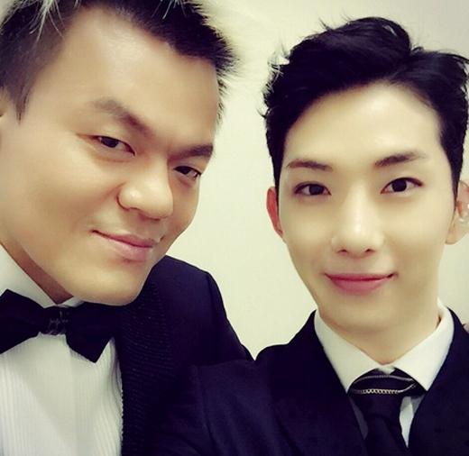 Trong concert JYP Nation được tổ chức tại Thái Lan, các nghệ sỹ JYP không quên mừng sinh nhật cho 'chủ tịch' Park Jin Young. Jokwon đã khoe hình chụp hình chủ tịch và chúc mừng sinh nhật anh.
