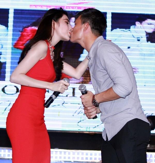 Không ngần ngại hôn nhau - Tin sao Viet - Tin tuc sao Viet - Scandal sao Viet - Tin tuc cua Sao - Tin cua Sao