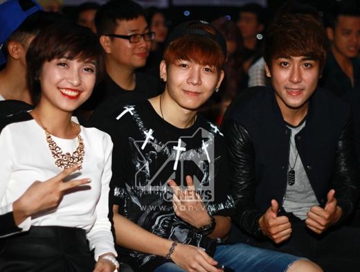 Tiêu Châu Như Quỳnh và nhóm La Thăng đi xem 'Cặp đôi hoàn hảo' - Tin sao Viet - Tin tuc sao Viet - Scandal sao Viet - Tin tuc cua Sao - Tin cua Sao