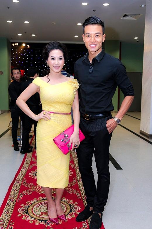 Hoa hậu Thu Hoài và diễn viên Hiếu Nguyễn - Tin sao Viet - Tin tuc sao Viet - Scandal sao Viet - Tin tuc cua Sao - Tin cua Sao