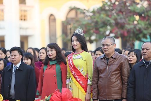 Bố mẹ Kỳ Duyên luôn đồng hành cùng con gái - Tin sao Viet - Tin tuc sao Viet - Scandal sao Viet - Tin tuc cua Sao - Tin cua Sao