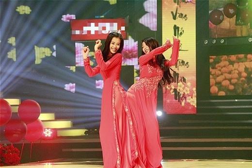 Đông Nhi và Khổng Tú Quỳnh được dịp quậy tưng bừng khi cả hai hội tụ trong một chương trình ca nhạc.