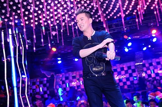 Trong đêm tiệc, Đàm Vĩnh Hưng mang đến những ca khúc sôi động - Tin sao Viet - Tin tuc sao Viet - Scandal sao Viet - Tin tuc cua Sao - Tin cua Sao