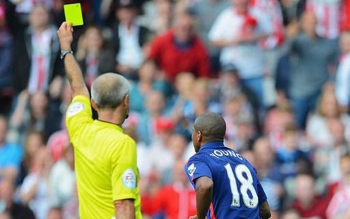 Ashley Young của Man Utd (gặp Sunderland, ngày 24/8/2014). Cựu cầu thủ chạy cánh của Aston Villa, người từng nhiều lần ngã vờ, có hành động quăng mình xuống đất khéo như một diễn viên sau một pha va chạm với Wes Brown.