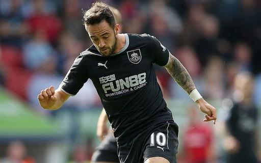 Danny Ings của Burnley (gặp Crystal Palace, ngày 13/9/2014). Cầu thủ này xứng đáng bị phạt thẻ, dù chỉ ba phút sau đó phải rời sân vì chấn thương.