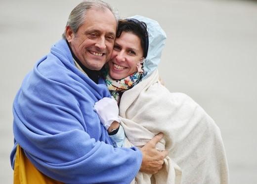 Họ khá hạnh phúc khi dạo phố ở Sa Pa và tươi cười chụp ảnh lưu niệm.