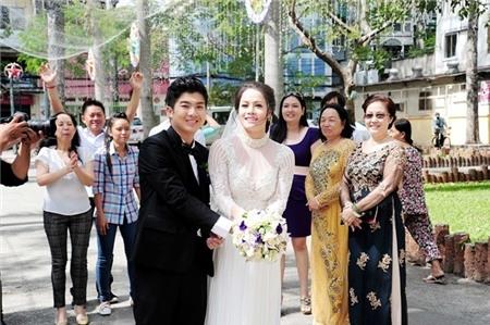 Nhật Kim Anh hạnh phúc tung hoa cưới. - Tin sao Viet - Tin tuc sao Viet - Scandal sao Viet - Tin tuc cua Sao - Tin cua Sao
