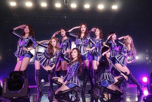 Xếp thứ 2 là 'nhóm nhạc quốc dân' SNSD với lượt bình chọn là 12.4%. Đây là năm thứ 8 kể từ khi nhóm ra mắt, SNSD được lọt tên vào danh sách top 5 của bảng xếp hạng này. Theo khảo sát độ tuổi khán giả trong năm 2014, SNSD là nghệ sỹ duy nhât được yêu thích ở độ tuổi từ 13-40.