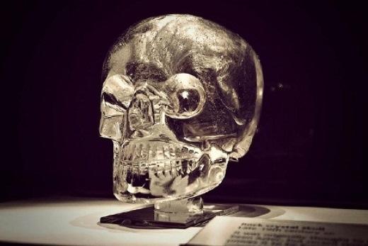 Nhiều giả thiết tranh cãi về sọ pha lê
