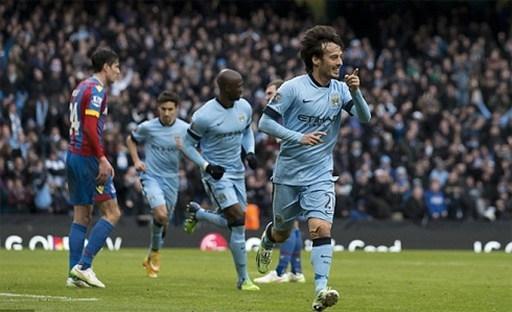 Silva đóng vai người hùng của Man City trận này, với cú đúp mang tính bước ngoặt. Ảnh: AP.