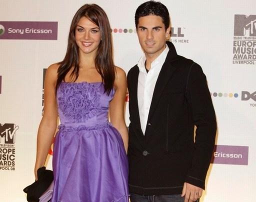 Bà xã của Mikel Arteta là Hoa hậu Tây Ban Nha năm 1999. Cô từng lọt vào top 10 của cuộc thi Hoa hậu thế giới.