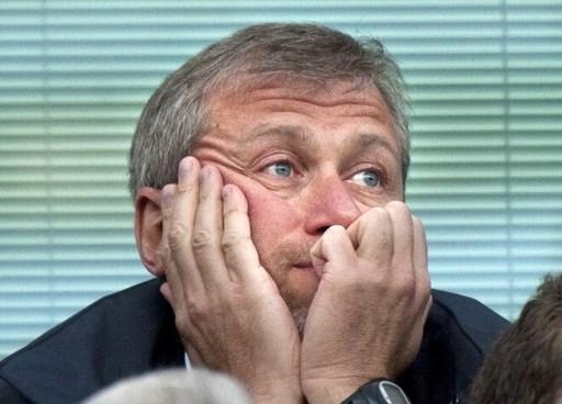 Ông chủ Chelsea vừa bị mất nửa tỷ USD vi đồng rúp rớt giá.