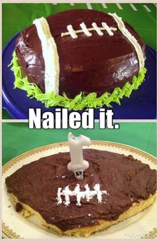 Đây là một chiếc bánh kem hình bóng bầu dục thật sao?