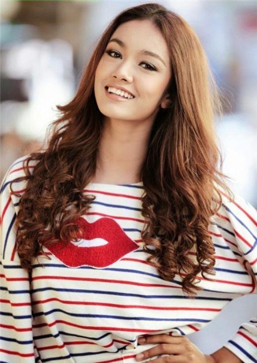 Hoa hậu Myanmar mới 15 tuổi khi đăng quang Hoa hậu châu Á.