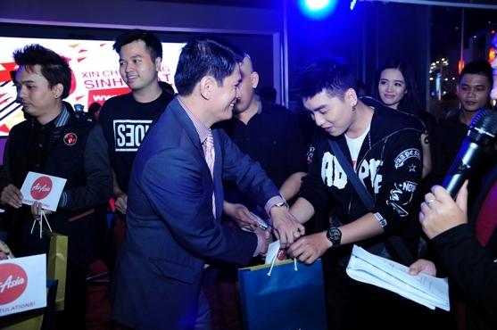Mỹ phẩm cao cấp RIORI thu hút dàn sao Việt tại sinh nhật YAN