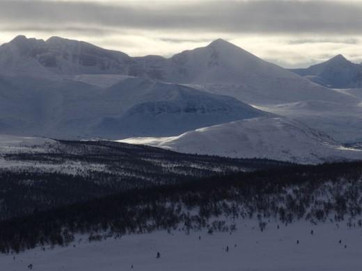 """Røros: Những đỉnh núi và thung lũng trắng xóa của Røros là nguồn cảm hứng của những khung cảnh lộng lẫy trong """"Frozen""""."""