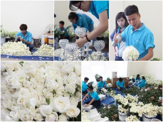 Với gam màu chủ đạo là trắng, toàn bộ hoa trang trí trong tiệc cưới cũng là hoa hồng trắng với số lượng hơn 50.000 bông được tuyển chọn từ nhiều đầu mối cung cấp hoa lớn từ Sài Gòn và Đà Lạt và nhập khẩu. Ảnh: Bliss Wedding Planner - Tin sao Viet - Tin tuc sao Viet - Scandal sao Viet - Tin tuc cua Sao - Tin cua Sao