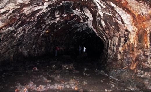 Hang động tạm gọi là C7 được giới chuyên gia khảo sát xác định dài hơn một km. Theo đánh giá của các nhà khoa học Nhật Bản, đây là hang động núi lửa lớn nhất Đông Nam Á.