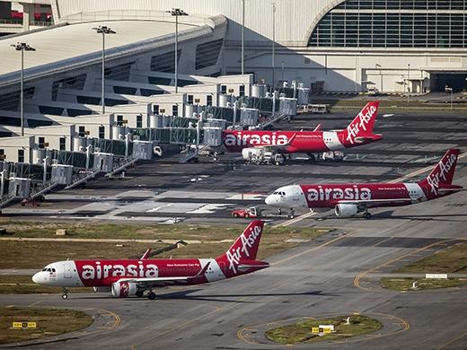 Chiếc máy bay AirAisia Airbus 320-200 đậu tại sân bay Sepang, Malaysia vào ngày 26/11/2014 trước khi mất tích.